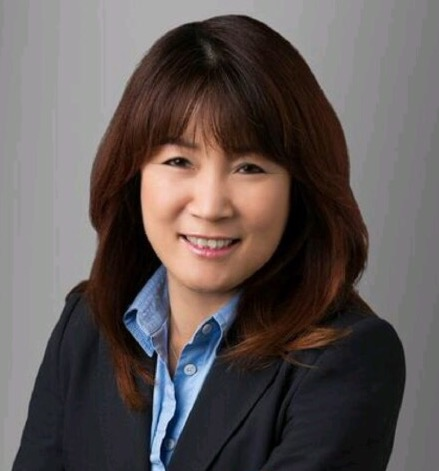 Photo of Lisa Lee